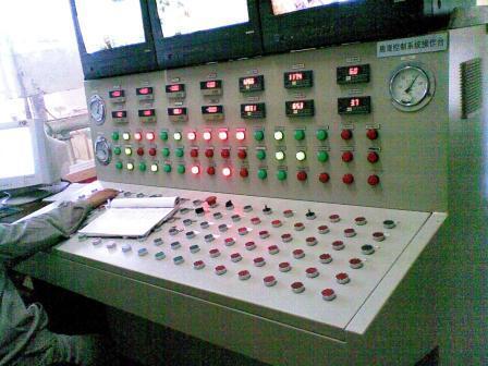 膨混控制系统操作台-工控博客