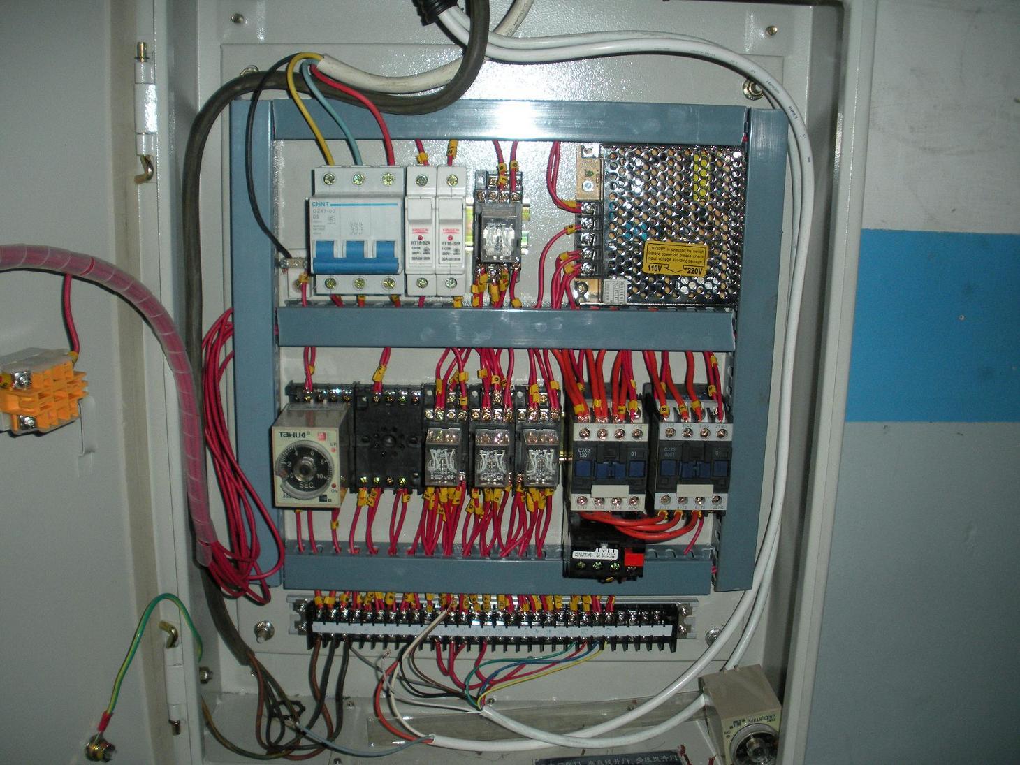 我司生产快速卷帘门,需要用快速卷帘门控制系统,(不要变频器)希望大侠