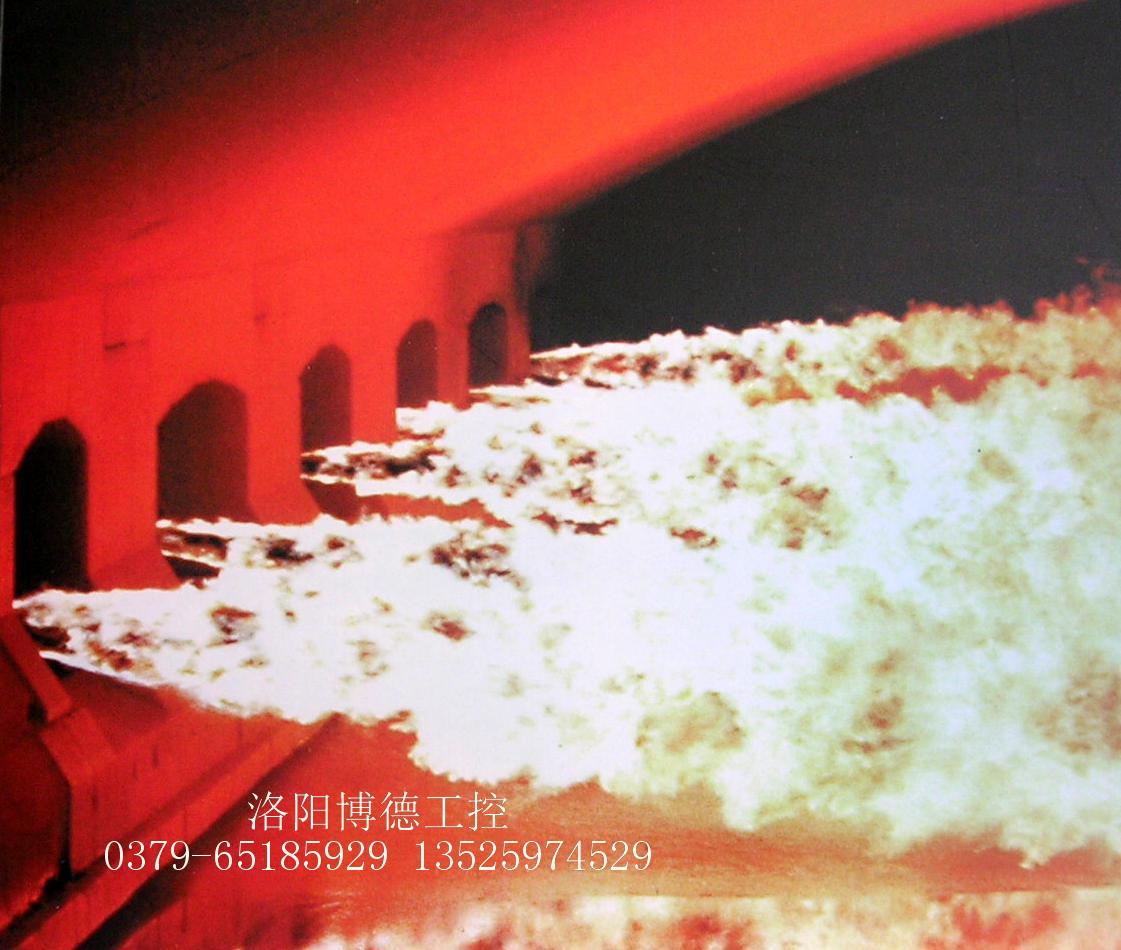 横火焰浮法玻璃窑炉池窑内火焰图