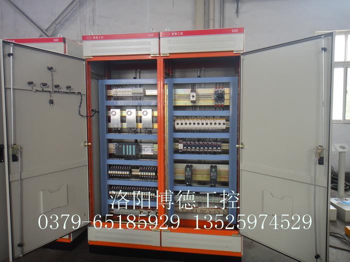 玻璃配料称重电控柜内部装备图片