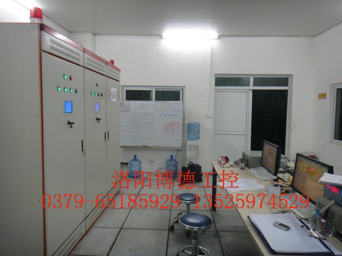 玻璃掌教�@么��害窑炉控制室安装配置图